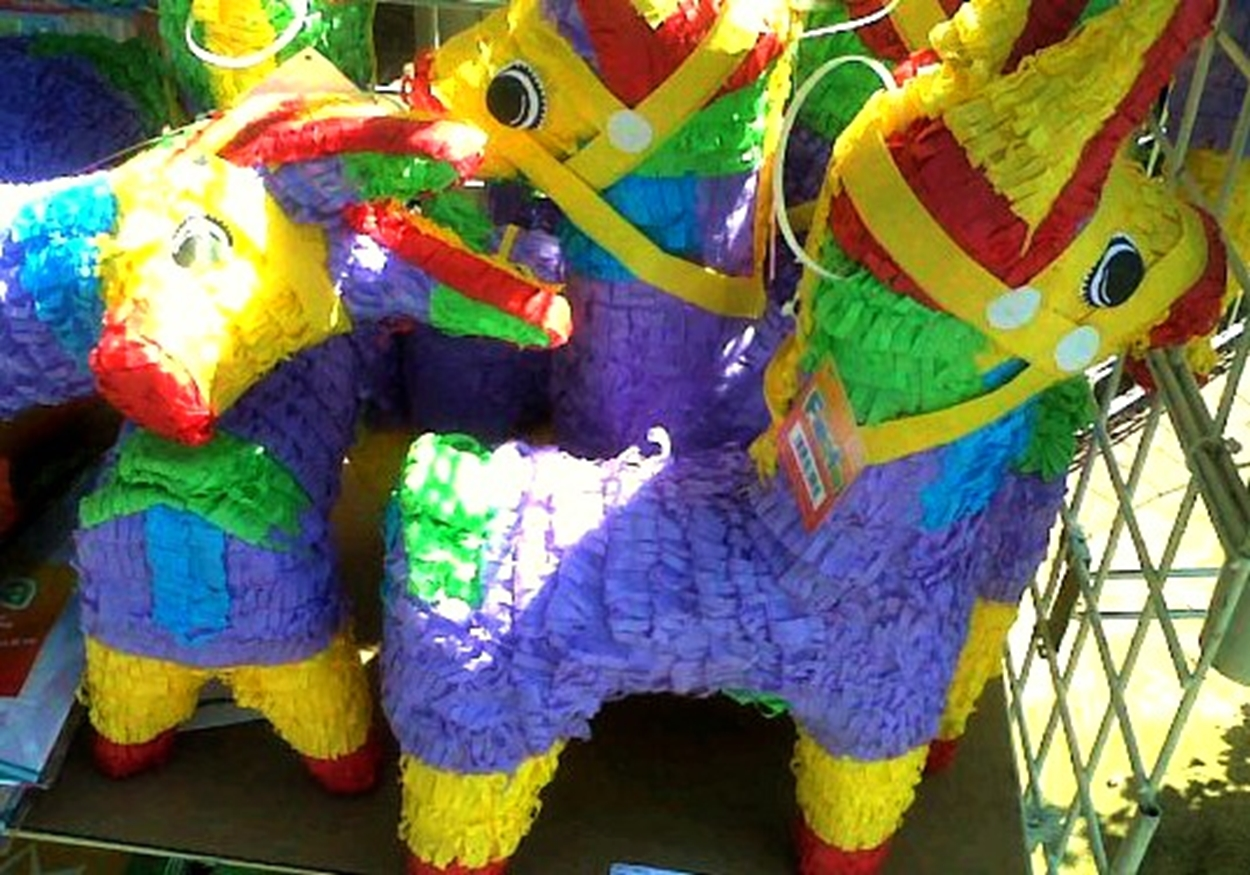 A Smashing Mexican HolidayTradition