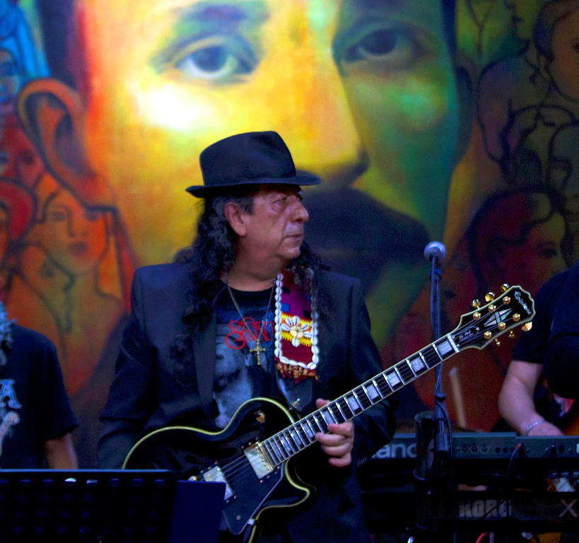 José Martí Celebrates Santana withConcert