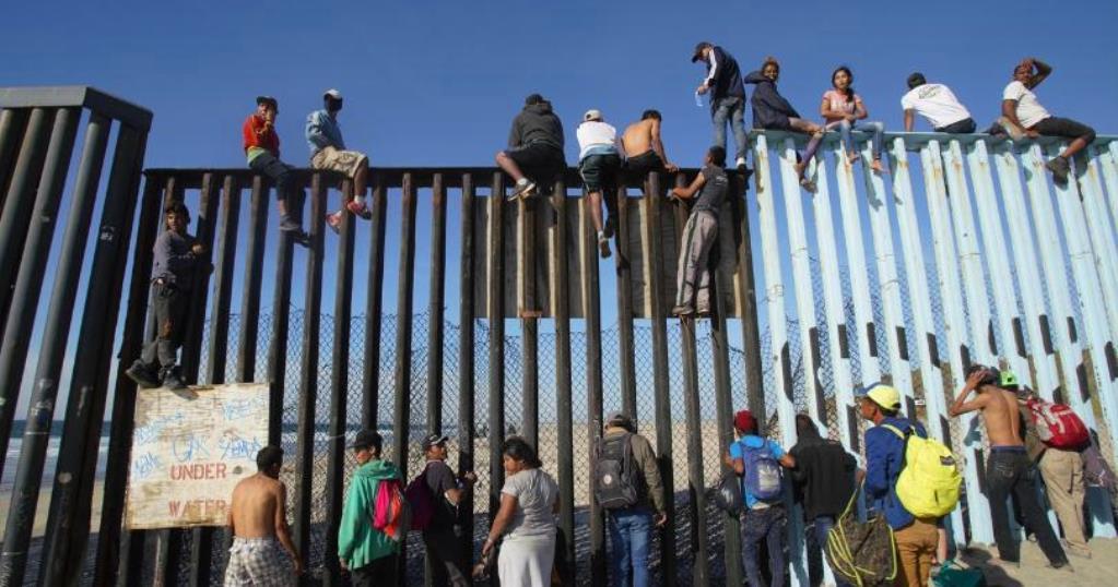 Asylum Seekers to US Must Now Await inMexico