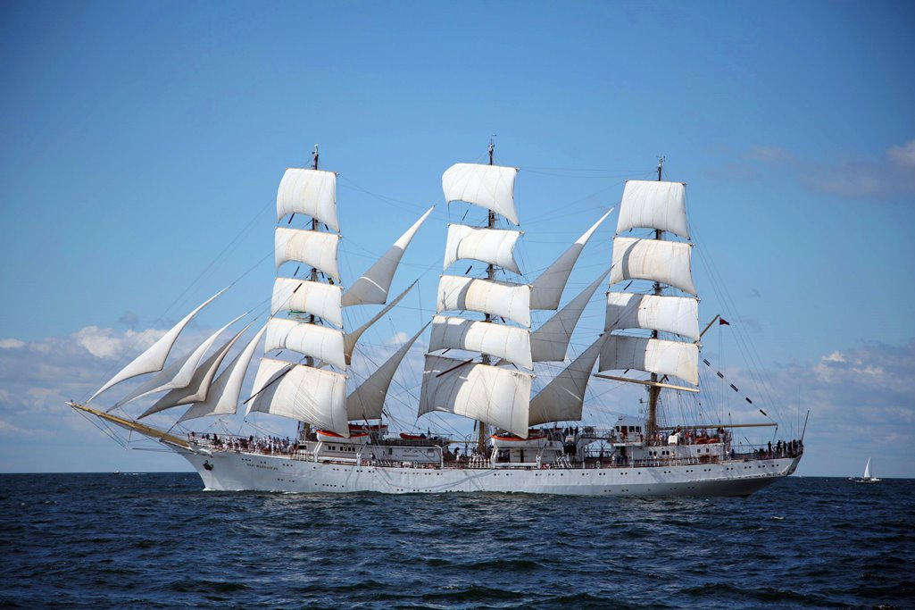 Polish Sailing Ship Docks in Acapulco