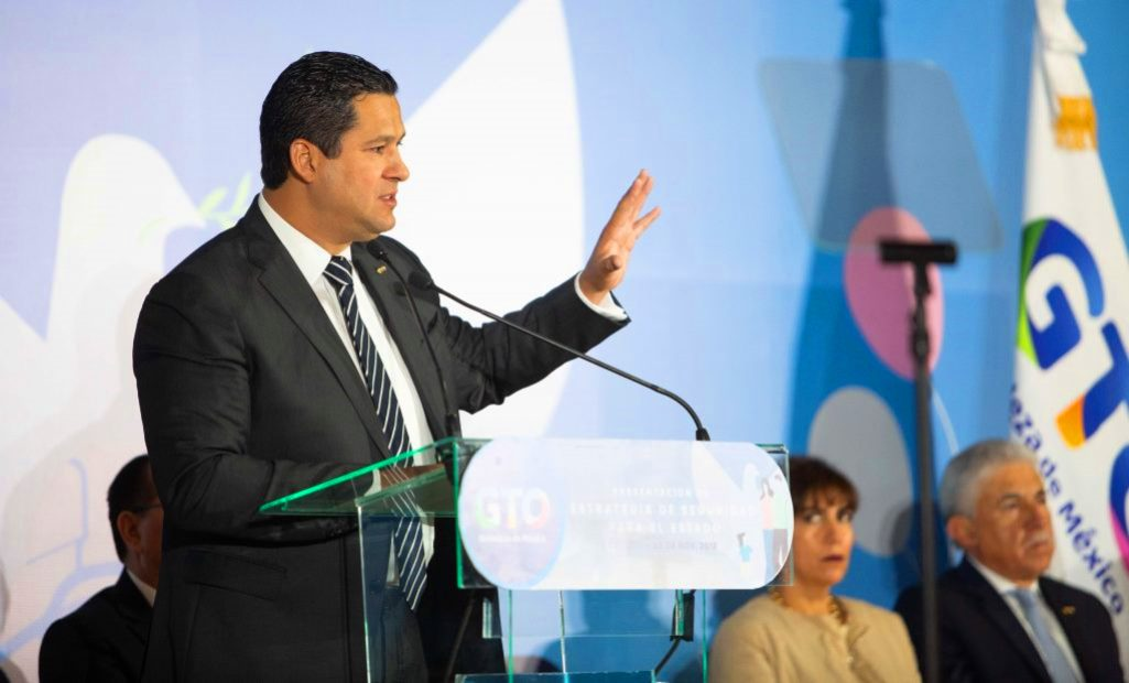 Guanajuato Governor Looks North in Search of Gasoline