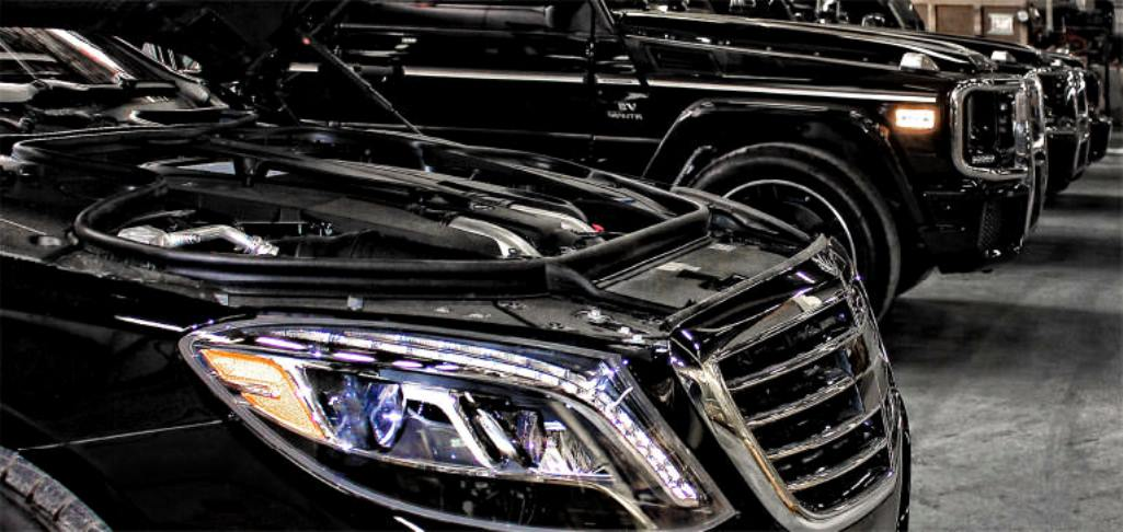 AMLO to Hold Armored CarSale