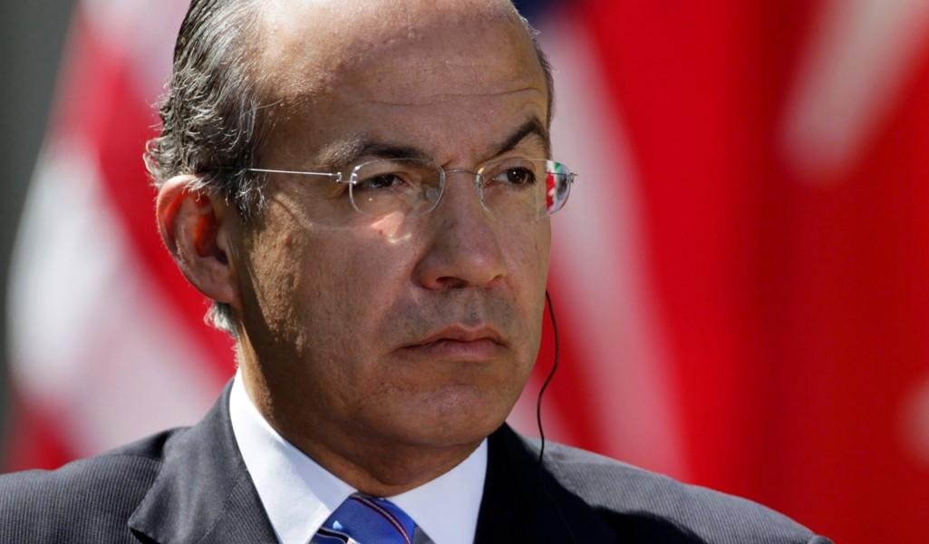 Calderón Defends his Reputation onTwitter