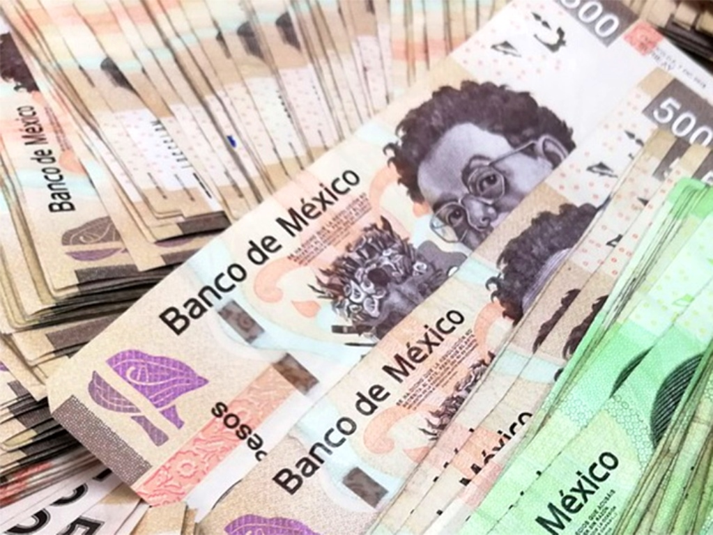 Bank of Mexico Lowers Forecast for Annual Growth