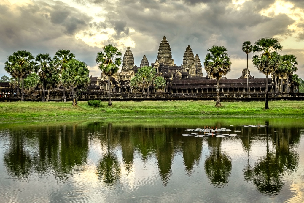 Tracing the Splendor of the Ancient Khmer Empire: Angkor Wat and the Ta Phrom Temple