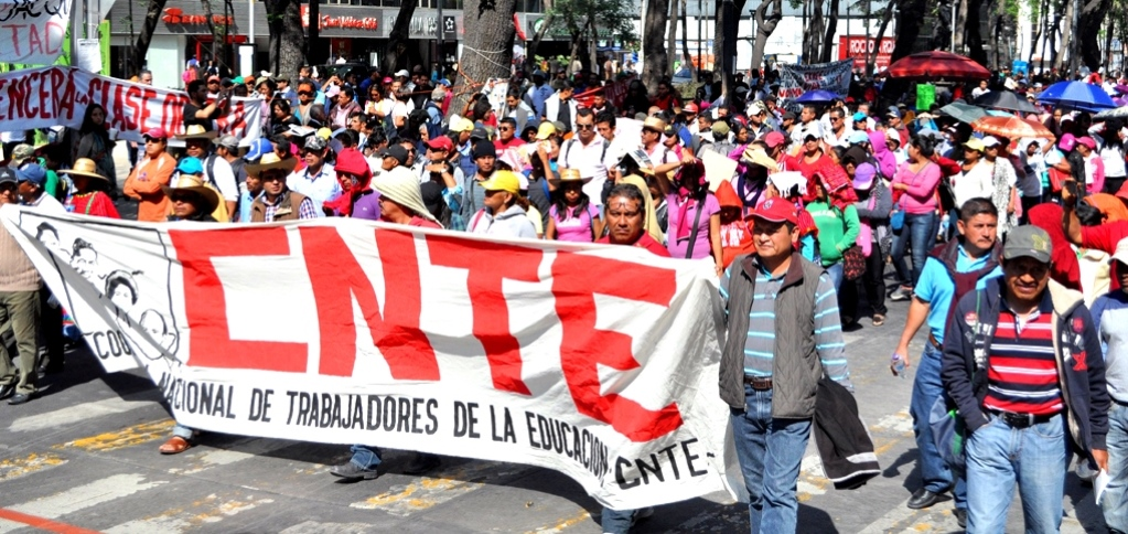 AMLO to Meet with Education Workers Unions