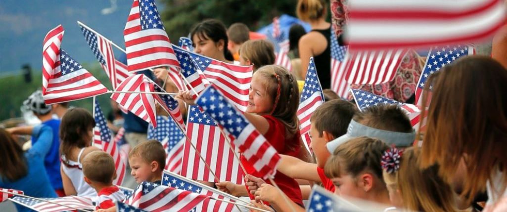 U.S. Expats in Mexico Celebrate Fourth ofJuly