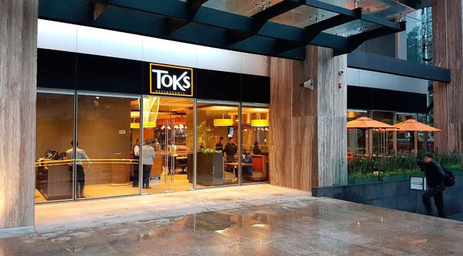 Toks Restaurants Donate 50,000 Meals to Health Workers