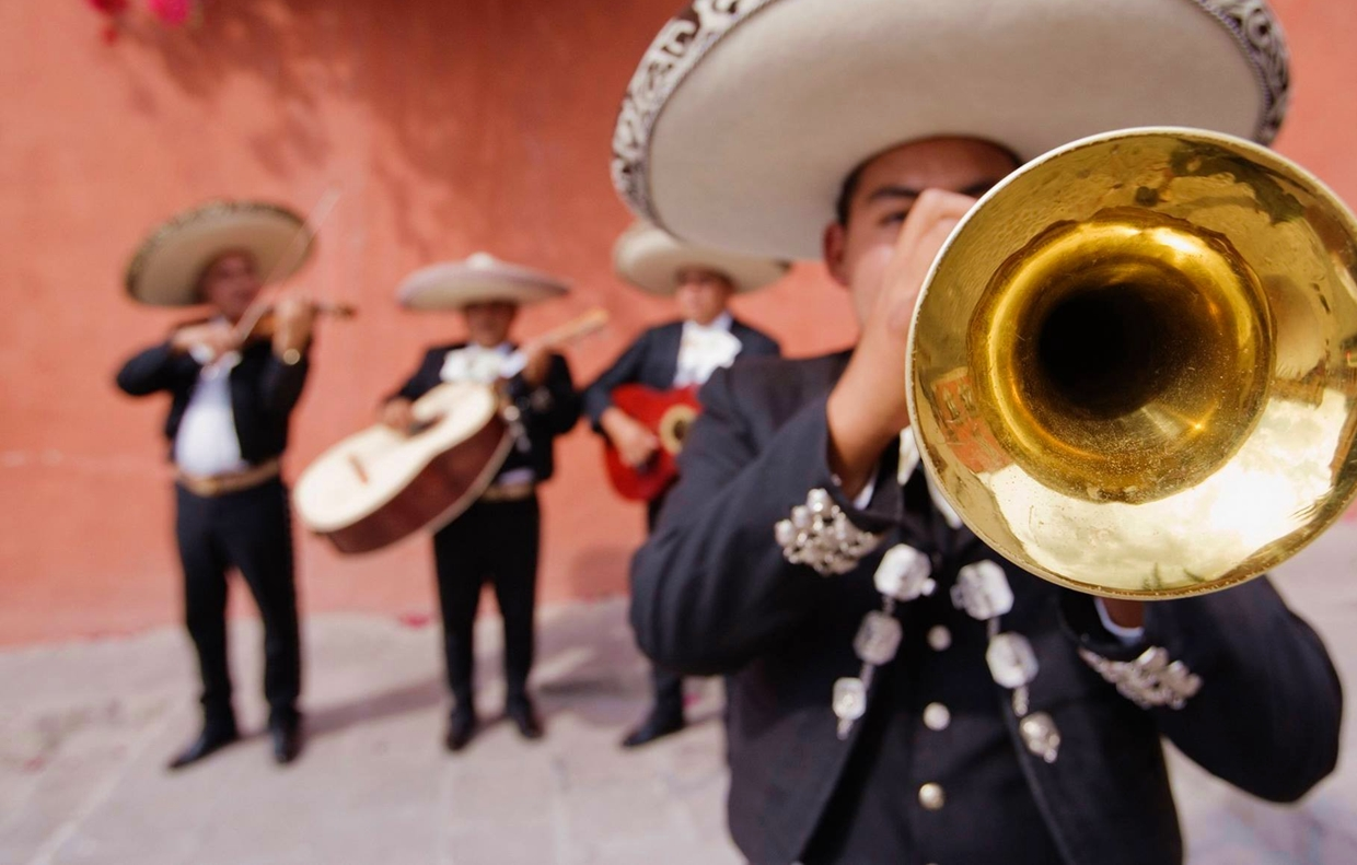 Mexican Mariachis to Offer Online Mother's DaySeranade